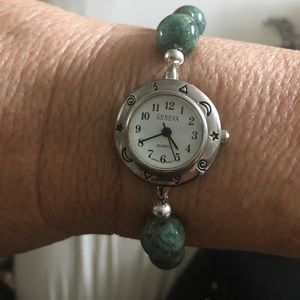 Accessories - Gnenva watch with green stone beads