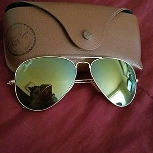 Authentic light green Ray ban aviators with case