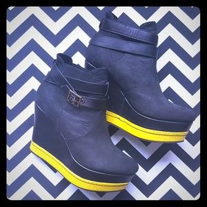 80%20 Shoes - 80%20 Wedge Ankle Boot Black/Yellow