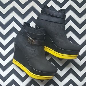 80%20 Wedge Ankle Boot Black/Yellow