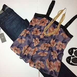Daisy Fuentes Tops - 🆕Listing- Daisy Fuentes Purple Floral Blouse