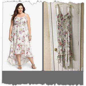 Torrid White Floral Hi-Lo Challis Maxi Dress