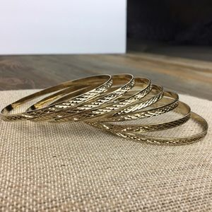 Jewelry - Beautiful 7 days bangle set