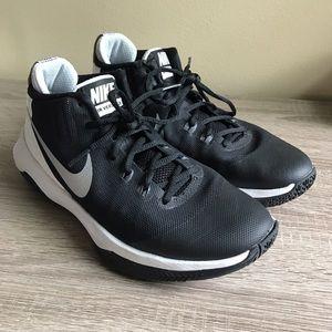 Nike Shoes - Nike Air Versitile Women's Basketball Shoes