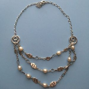 Jewelry - Pearl silver necklace