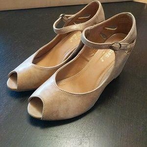 Madeline Stuart Shoes - Madeline Stuart tan peep toe wedge pumps size 7.5