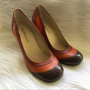 Dollhouse Shoes - Dollhouse DaVinci Round Toe Pump Brown Motif