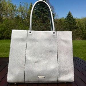 ⚡️SALE⚡️ Rebecca Minkoff Large MAB Leather Tote!