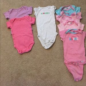 Gerber Other - CCOSALE lot of 7 baby girl onesies