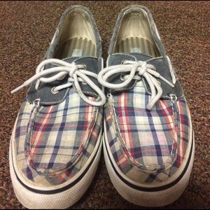 Plaid sperrys!