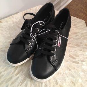 Superga Shoes - New SUPERGA shoes FLASH SALE🎉🎉🎉🎉
