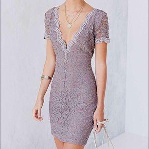 Kimchi Blue Dresses & Skirts - Kimchi Blue Lace Bodycon Dress size S