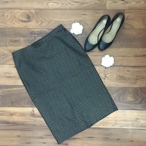 89th & Madison Dresses & Skirts - Black patterned pencil skirt