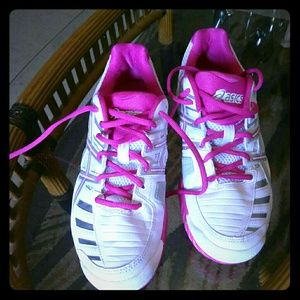 Asics tennis shoes size 10