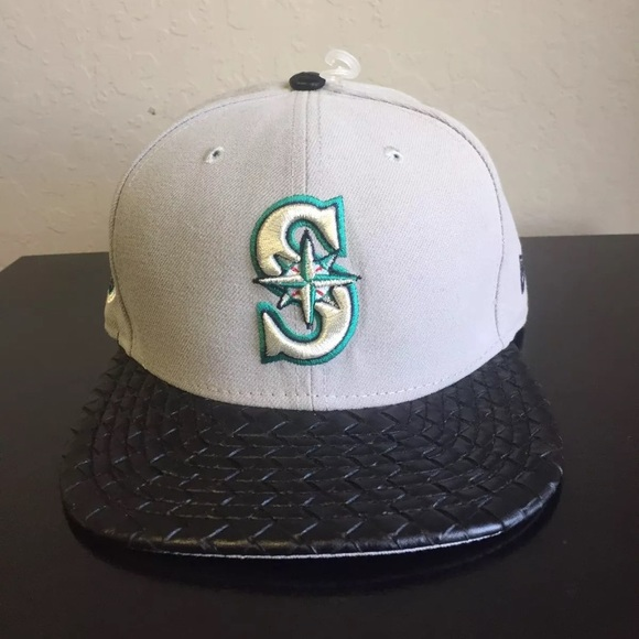 New Era 9Fifty Seattle Mariners Leather Rip Hat a228338b6