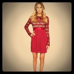 Flash sale‼️Gorgeous burgundy lace/crochet dress