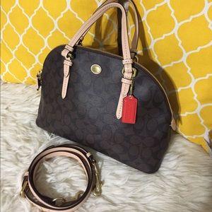 Coach Handbags - 🌸OFFERS?🌸Coach Signature All Leather Satchel