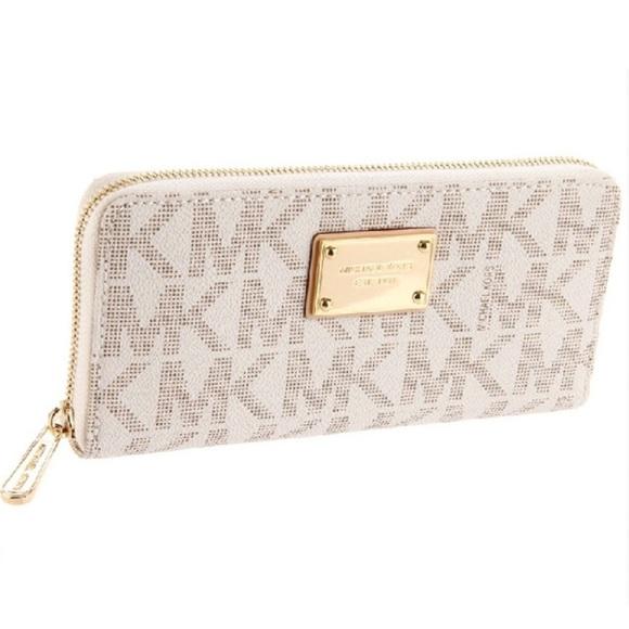 21dd1b91e955 Michael Kors Bags | White Mk Wallet | Poshmark