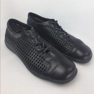 Stuart Weitzman Shoes - STUART WEITZMAN basketweave oxford walking shoe!