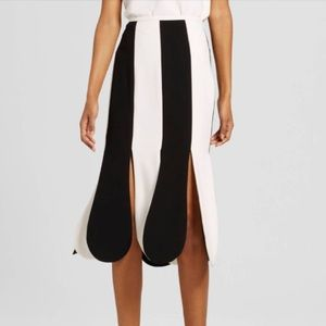 Black and White Stripe Scallop Midi Skirt