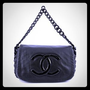 Sold 🖤🖤Chanel Modern Resin Chain Black Bag 🖤🖤