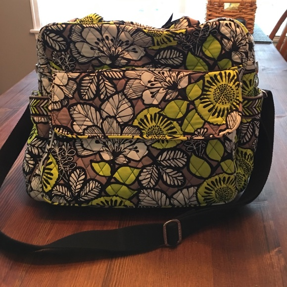 53 off vera bradley handbags sale vera bradley diaper bag like new condition from lauren 39 s. Black Bedroom Furniture Sets. Home Design Ideas