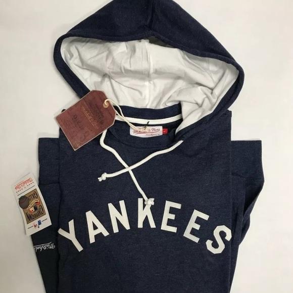 innovative design f8bf3 220c1 Mitchell & Ness NY Yankees Lightweight Hoodie NWT