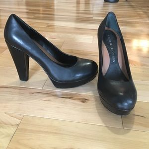 Size 8 Chinese Laundry heels