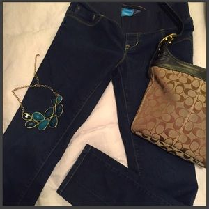 Maternity jeans size 8