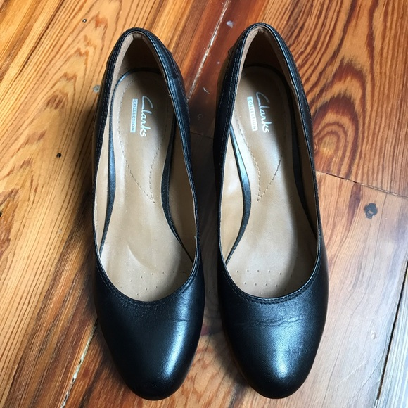 20 clarks shoes euc clarks non slip wedge black
