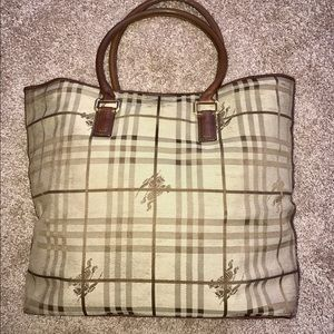Burberry Handbags - 🌹🌹XL🌹BURBERRY HAYMARKET TOTE🌹18x7x14🌹🌹