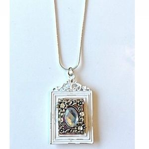 NatureAngels Jewelry - HandCrafted Victorian style Frame Pendant Necklace