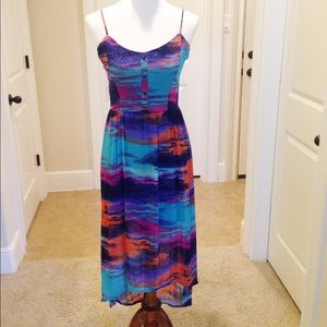 Dresses & Skirts - Watercolor high low dress good condition size M