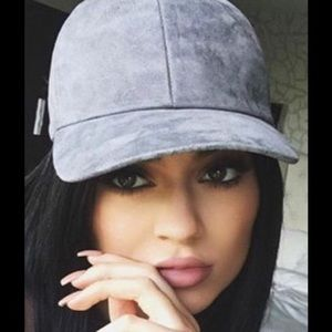 Accessories - New CASUAL FAUX SUEDE BASEBALL CAP