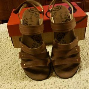 Propet Shoes - Sandals