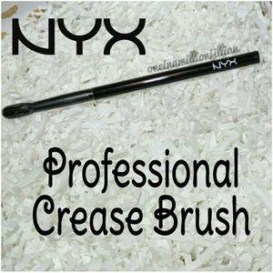 NYX Other - NYX Professional Crease Brush
