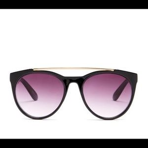 Betsey Johnson Accessories - NEW! Betsey Johnson Top Bar Sunglasses