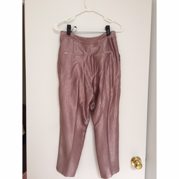 Shop Online at it24-ieop.gq for the Latest Capris & Cropped Pants for Petite Women. FREE SHIPPING AVAILABLE!