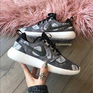 Nike Shoes - NWT Nike roshe two Marble print