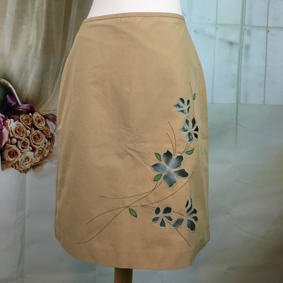 LOFT Dresses & Skirts - LOFT Tan Skirt With Embroidered Floral Cut Out