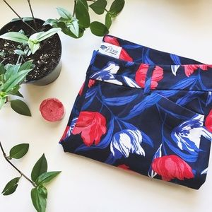 Old Navy Blue Tulip Pattern Pixi Pants