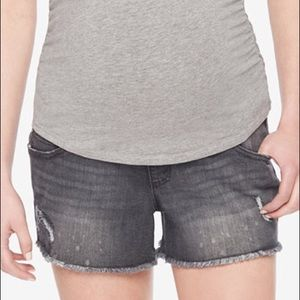 Wendy Bellissimo Pants - Maternity cutoff shorts