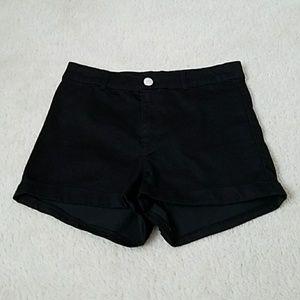 H&M Divided High waisted black shorts