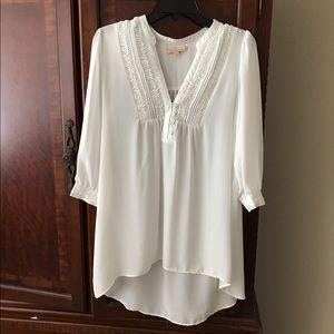 gibson latimer Tops - Gubson Latimer cream blouse - medium