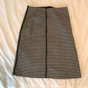 Zara Woman Houndstooth Skirt Sz 6