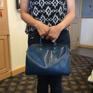 Louis Vuitton speedy 25 in epi blue
