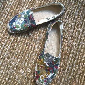 Soludos Shoes - NWOT Soludos floral espadrilles