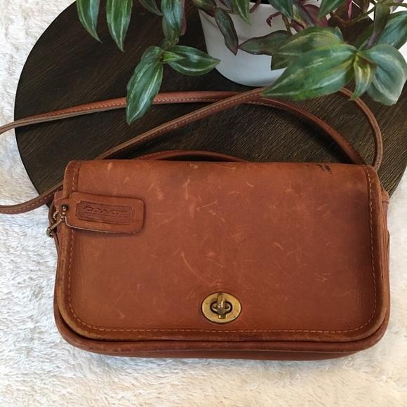 c4d5f9925f3c Coach Handbags - Vintage Coach Dinky Penny bag