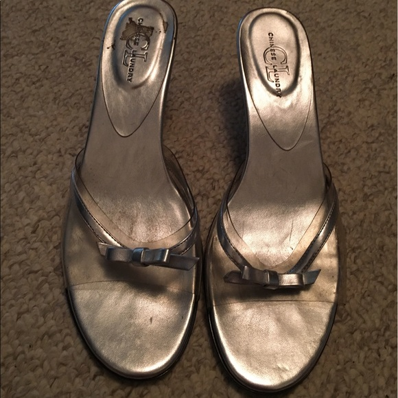 s size 11 silver heel dress shoe with bow 11 from
