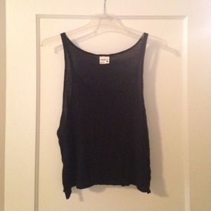 2 cropped tank tops